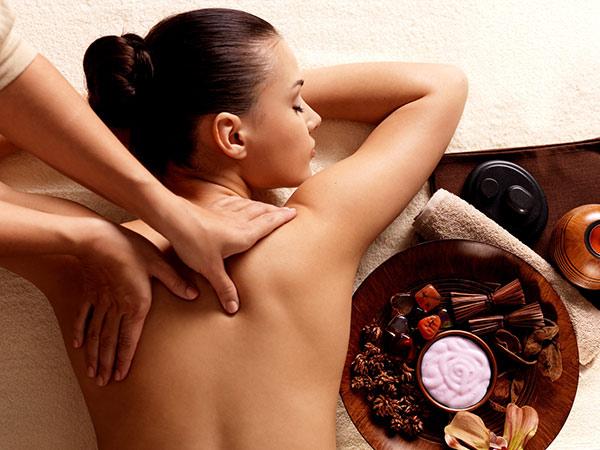 Massage mit Bienenhonig